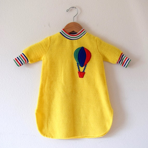Vintage 70s Up and Away Yellow Fleece Baby Bunting with Hot Air Balloon Applique (size 1T)