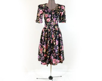 Vintage 80s Dress, Floral, Princess Cut, Button Front, Gathered Skirt, Retro 40s, Grunge, Victorian, Cotton Summer Dress, Fitted, Size Small