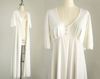 90s Vintage White Bell Sleeve Long Lace Trimmed Robe Coat / Size Small / Medium