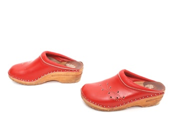 size 6.5 CLOGS red leather 70s 80s WOODEN slip on BOHEMIAN swedish mules