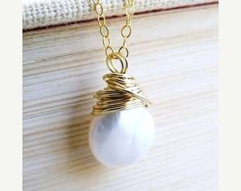 Mega SALE White Coin Pearl Gold Necklace Baroque Pendant GN10