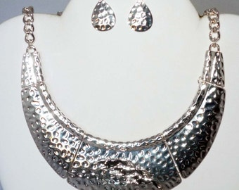 Beautiful Silvertone Collar Necklace w 3 Running Greyhound Dogs, Earrings