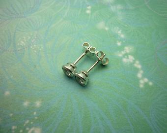Vintage Sterling Silver Earrings 4.5mm Cubic Zirconia Studs
