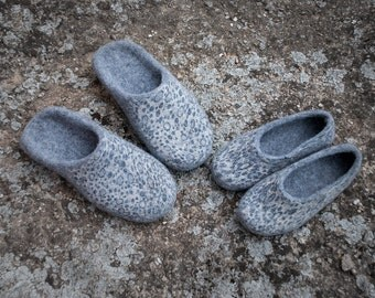 Family slippers set Natural wool slippers set 2 pairs of natural felted wool Gray house slippers animal print
