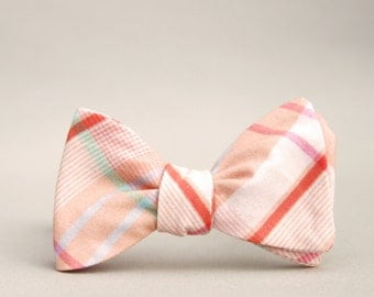 sweet peach bow tie  //  self tie bow tie for men  //  plaid peach, coral, and mint bow tie