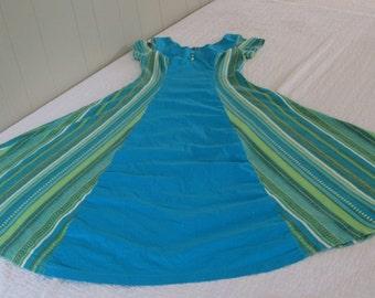 Vintage 1960  Hawaiian Dress - KAHANA Manufacturing - Made in Hawaii - Maxi Muumuu - Beach Luau --Size M