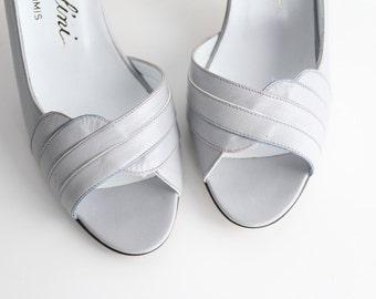sz 7 | Garolini Leather Sandal | Vintage 1970s Pastel Leather High Heel Shoes | 38