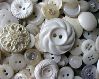 Gorgeous, Huge Lot of 400 Vintage White and Off White Buttons