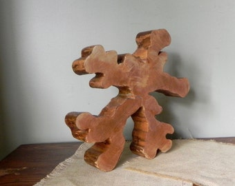 Vintage slice of wood interesting amoeba shape use for sculpture pedestal or display of jewelry