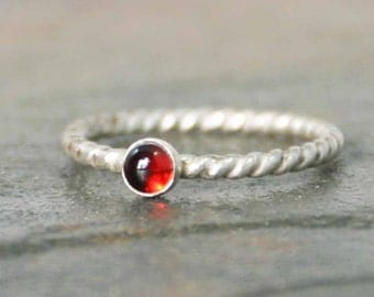 Sterling Twist Garnet Ring, Stackable Stone Ring, January Birthstone Ring, Sterling Silver Ring, Dainty Ring, Rope Ring, Twisted Ring
