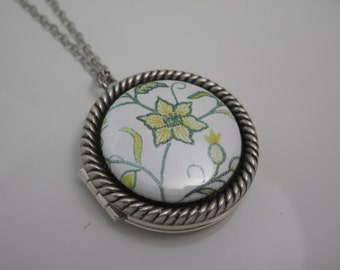 Silver Locket with Flower Button Center Keepsake Memories Unique One of a Kind Locket Photo Floral Woodland Jewelry Necklace