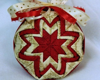 Quilted Christmas Ornament - Red/Gold/Cream