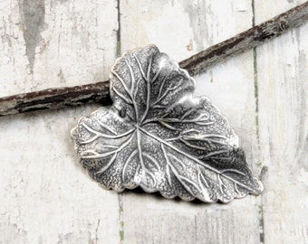 Detailed Leaf Pendant Trinity Brass Antique Silver OX 36mm {1pc} F1068SOX
