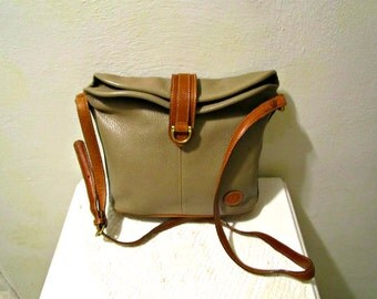 Liz Claiborne  Leather Duffle Sac Shoulder Bag in Toupe-Tan Genuine Pebbled Leather