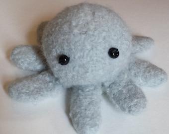 Silvery gray octopod