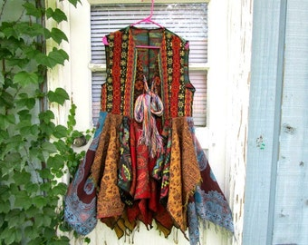 L-XL Bohemian Gypsy Upcycled Tapestry Vest Duster// Reconstructed// Multi Colored// emmevielle