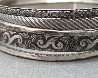 Floral and Ribbon Set of 5 Hammered Bangles in Sterling Silver, Artisan Handmade Sterling Patterned Bangles 5 Bracelet Set