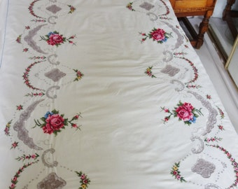 vintage embroidered bed cover /tablecloth with napkins