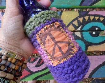 Hippie Gift, Hippie Festival, Peace Sign, Beer cozy, beer cooler, hippie crochet, beer gift, beer accessory, can cooler, bottle cooler, B04