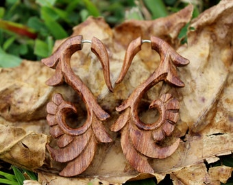Fake Gauges Earrings ,Organic ,Tribal style,Expander ,hand carved,fake pierdcing,hawaii koa wood