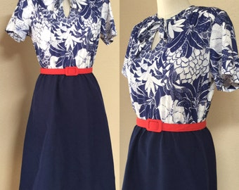Woman's vintage day dress. Blue and white summer dress. 4th of July. Secretary dress