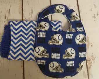 Indianapolis Colts bib and burp cloth set