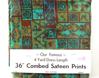 Beautiful Vintage Yardage - Combed Sateen Print Cotton - Fleur-de-lis - Dead Stock Fabric / 4 yards