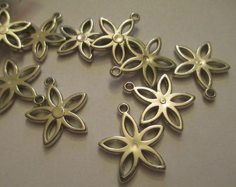 10 Silver Flower Charms