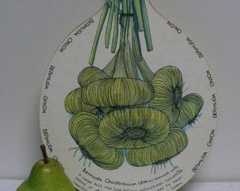 Bermuda Onion Cutting Board
