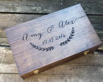 Wedding gift for wine lovers, wedding wine box, double wine box, memory box, advice card box, personalized wine box, laurel wine box, shower