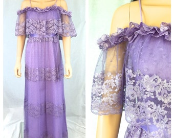 Vintage Purple Lace Maxi Dress. Off the Shoulder. Feminine Romantic Lace Dress. Long Dress. 1970s. X-Small. Spring. Wedding. Boho. Under 60.