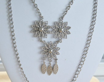 "On sale Pretty Vintage Silver tone Floral Pendant Multi-Strand Necklace, 16""-24"" (B12)"