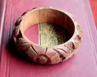 Vintage wood Bracelet Bangle Carved floral