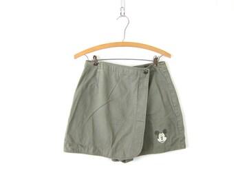 vintage women's MIckey Mouse skorts skirt and shorts Short Mini Skirt Sage Green Disney Shorts Women's Size 7 small medium Dell's