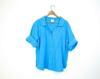 Basic boxy blue blouse light brown button up minimal textured cotton tshirt Sea Breeze minimal slouchy tee shirt crop top Dells Petite Large
