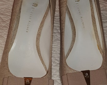 """1990s Womens wedges Peep Toe Shoes Pumps Frabric  Size 8 USA with 2"""" Wedge Heel In Excellent Condition Etienne Aigner"""