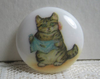 Miss Moppet from Beatrix Potter Story, Clothing Button backmarked JHB