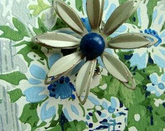 Vintage Daisy Enamel Flower Brooch