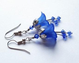 Cobalt Blue, Lucite Flower Earrings, Crystal Swarvoski Earrings, Lily Earring, Art Nouveau, Antique Silver, Blue Lily Earrings