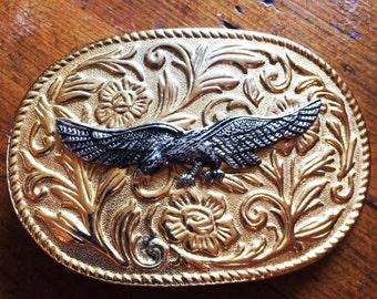 Vintage 80s EAGLE Belt Buckle GOLD Metal Oval Buckle Southwestern Buckle Free Spirt Biker Buckle