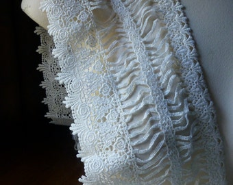Ivory Lace Venise Style for Bridal, Sashes, Gowns, Costume Design L 227