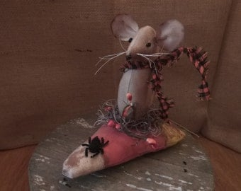Primitive MOUSE on CANDY CORN/ Fall Halloween Decor