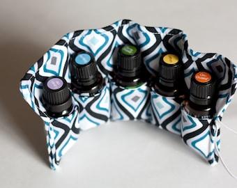 Essential Oil Holder, Bag Insert, Travel Case, Pouch, Carrier -- 5 Pockets