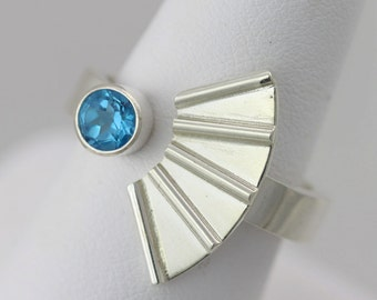Striped Split Ring with Stone (Blue Topaz) in Sterling SIlver