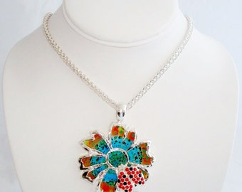 Elegant Silver Tone Lady Bug Pendant Necklace Earrings Set
