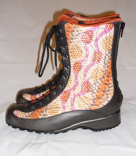 Sneaker Boot 1/2 height, Made to order in your size.