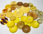 Shabby Vintage Collectible Yellow Buttons in Bakelite, Casein, Plastic