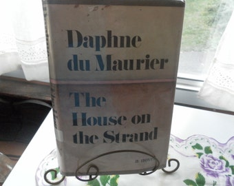 The House on Strand by Daphne du Maurier  1969