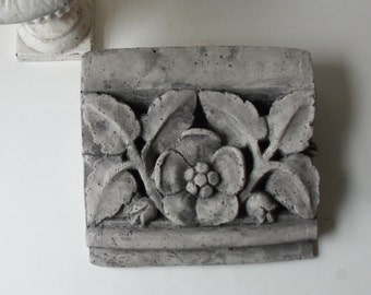 tudor rose frieze tile