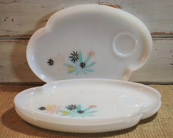 Set of Three Vintage Milk Glass Luncheon Plates Federal Glass Atomic Flower